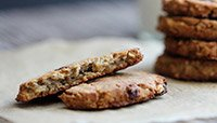 Vegan Oatmeal Raisin Protein Cookies