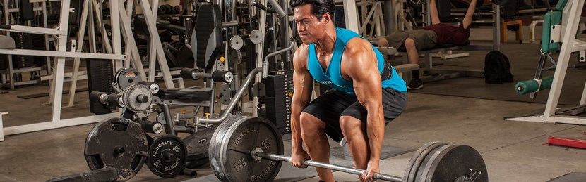 5 Ways A Bodybuilder Should Train Like A Powerlifter