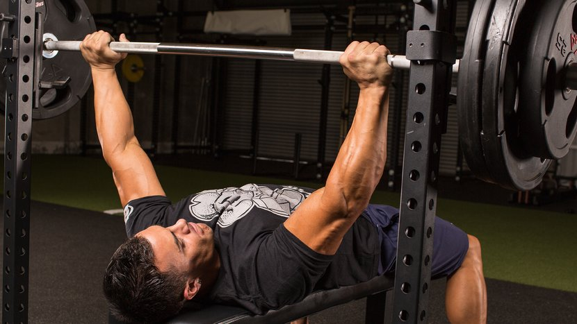 The 10-Week Minimalist Bench Plan For Maximum Muscle Growth