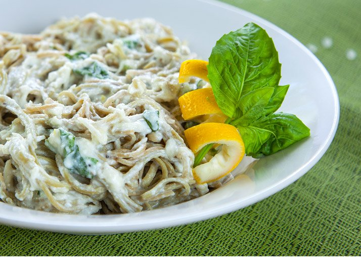 The Vegetarian Pasta Dish That's Ridiculously High In Protein