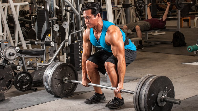 5 Ways A Bodybuilder Should Train Like A Powerlifter