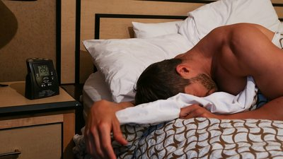 5 Ways Working The Night Shift Affects Your Health And Fitness