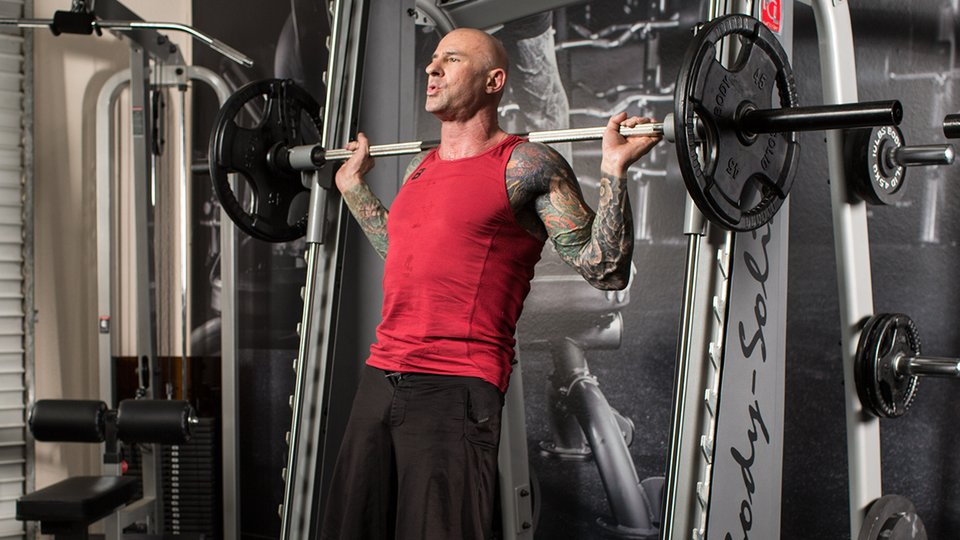 6 Great Alternatives To The Standard Barbell Squat