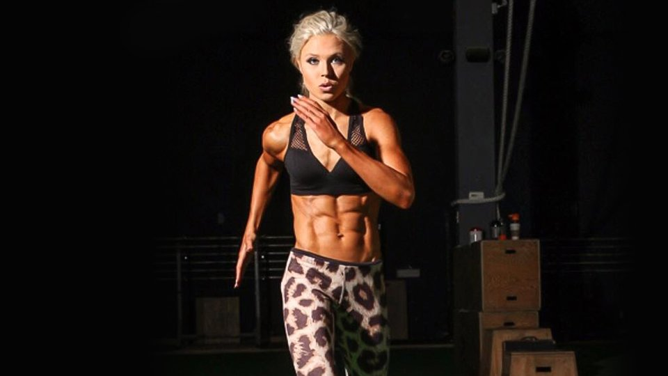 8 Fat-Loss Secrets Of The Lean Queen!