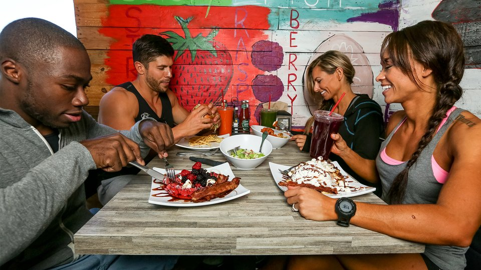 How To Dine Out Without Blowing Your Ketogenic Diet