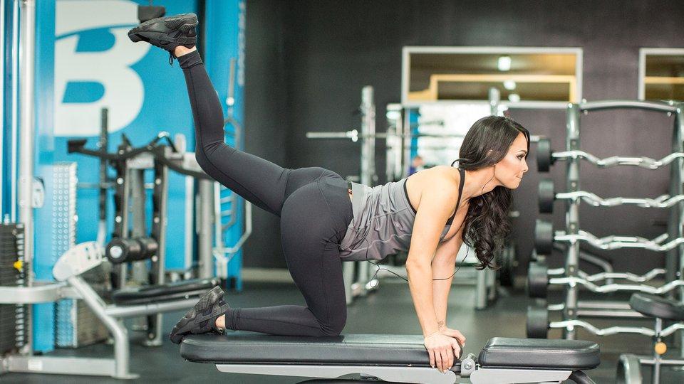 Katie Chung Hua's Bikini-Booty Workout!