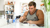Eat For Anabolism: Pre- And Post-Workout Nutrition For Muscle Growth