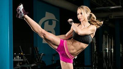Zuzka Light's 15-Minute Lower-Body Workout