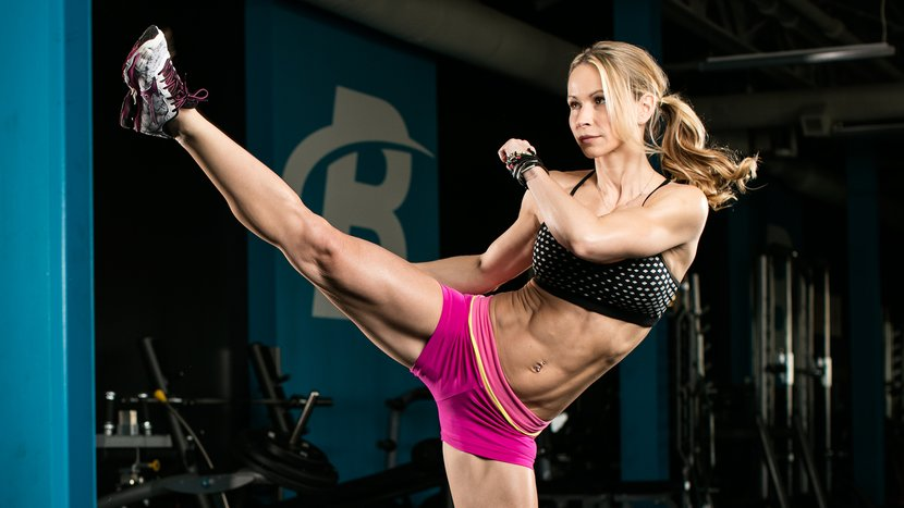 Zuzka Light's 15-Minute Lower-Body Workout