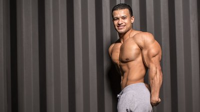 4 New Triceps Exercises To Blow Up Your Arms!
