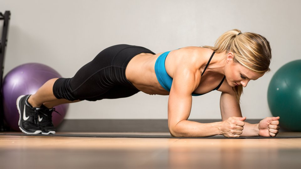 9 Ways To Work Out Your Abs While Standing