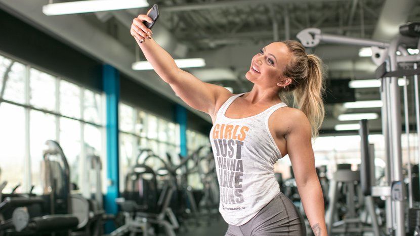 9 Things You Must Never Do In The Gym