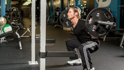 Why Shallow Squats Are Robbing Your Legs Of Growth