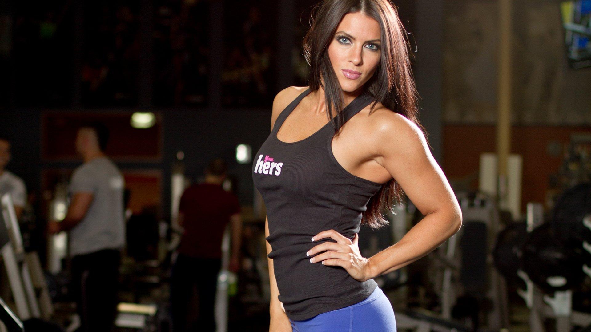 Shoulder workout amanda latona 39 s pro bikini video workout - Wallpaper fitness women ...
