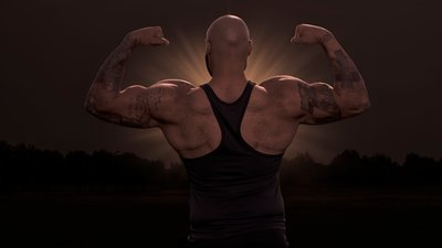 """""""Swoler"""" Eclipse: 10 Backs So Wide They Block Out The Sun"""