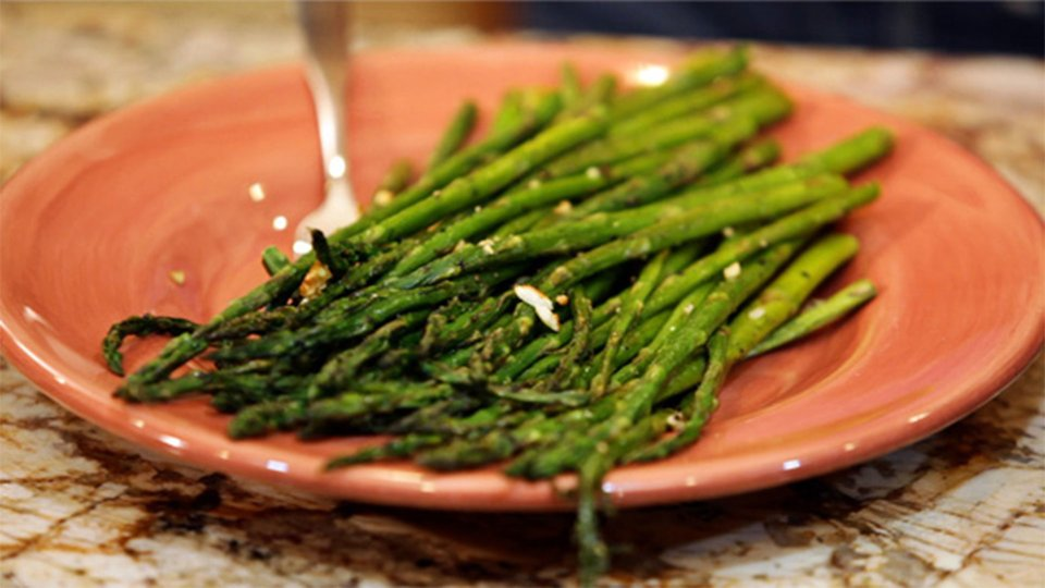 Natalie Hodson's Death By Garlic Roasted Asparagus