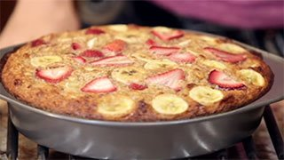 Strawberry Banana Oatmeal Protein Bake