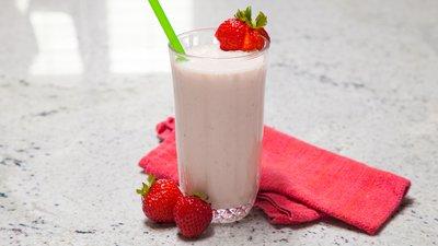 Quick Recipe: Strawberry Savior Shake