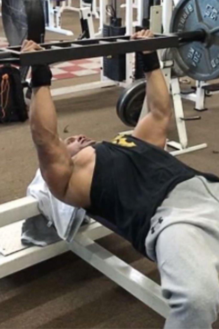 How The Rock Makes A 275 Pound Bench Go A Long Way Bodybuilding Com