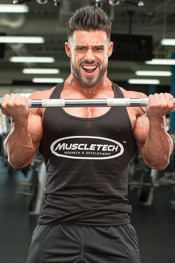 4 Barbell Curl Blunders   Bodybuilding.com