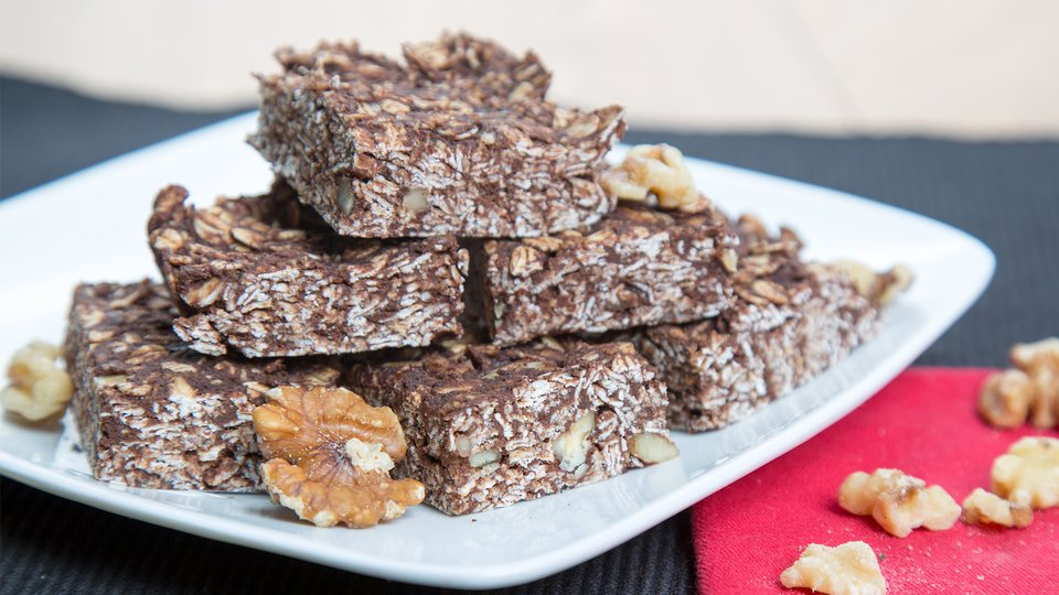 Chocolate Nut Oatmeal Protein Bars