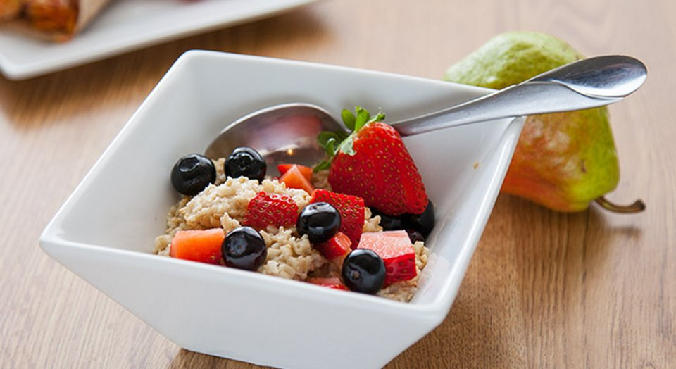 FreakMode Recipes: Oatmeal And Berries