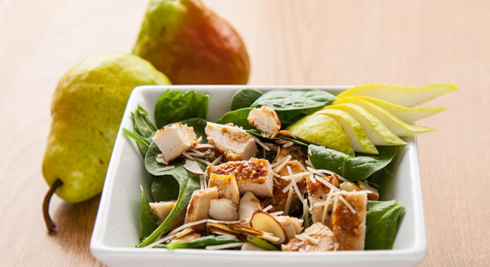 FreakMode Recipes: Chicken Pear And Parmesan Spinach Salad