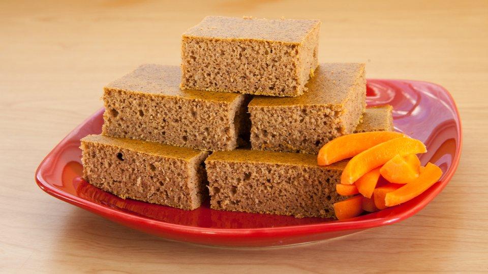 Jamie Eason's Carrot Cake Protein Bars