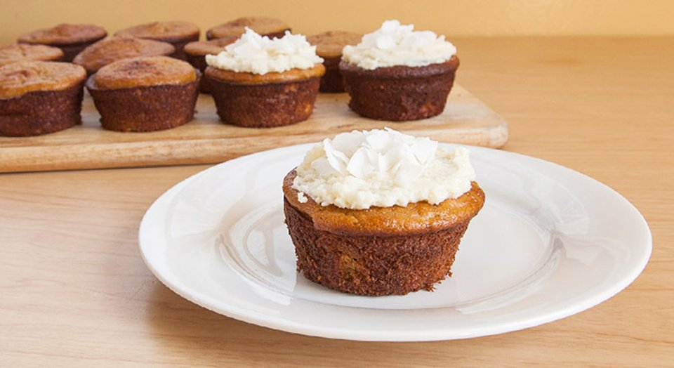 Jamie Eason's Frosted Coconut Protein Cupcakes