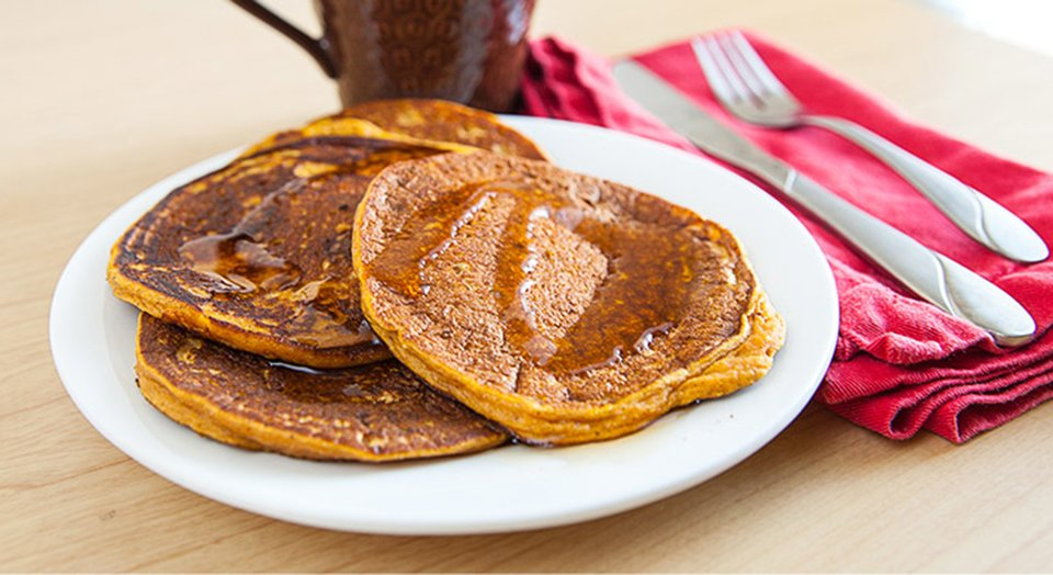 Jamie Eason's Pumpkin Spice Pancakes