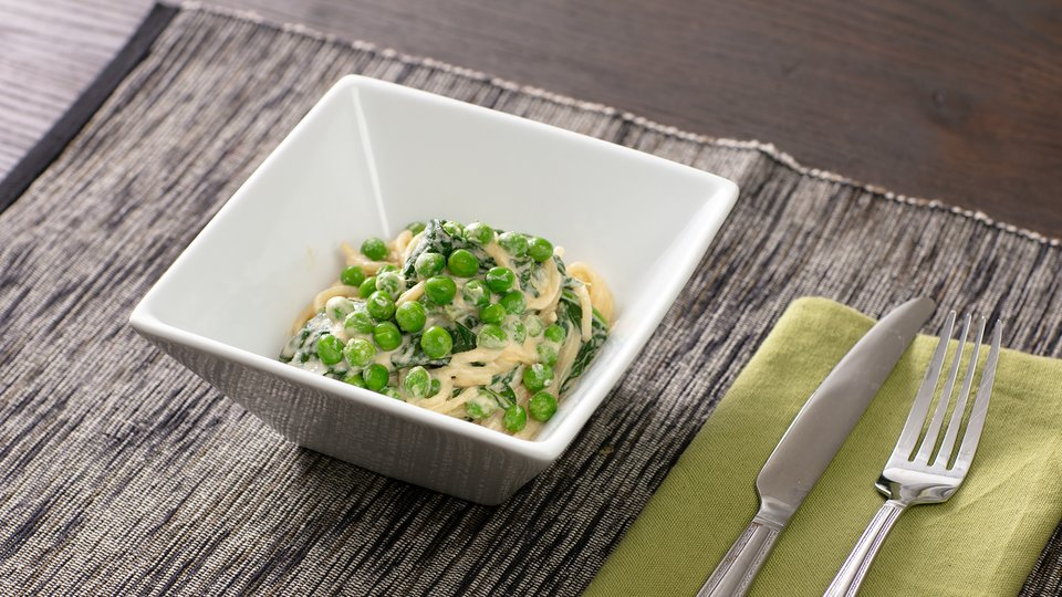 Spaghetti with Cashew Cream, Peas, and Spinach