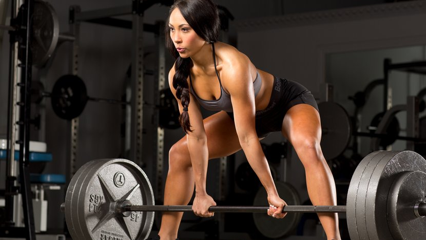 Women's Powerlifting: What's The Best Way To Get Started?