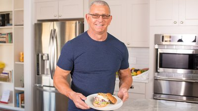 Chef Robert Irvine: Grilled Mahi-Mahi Sandwich