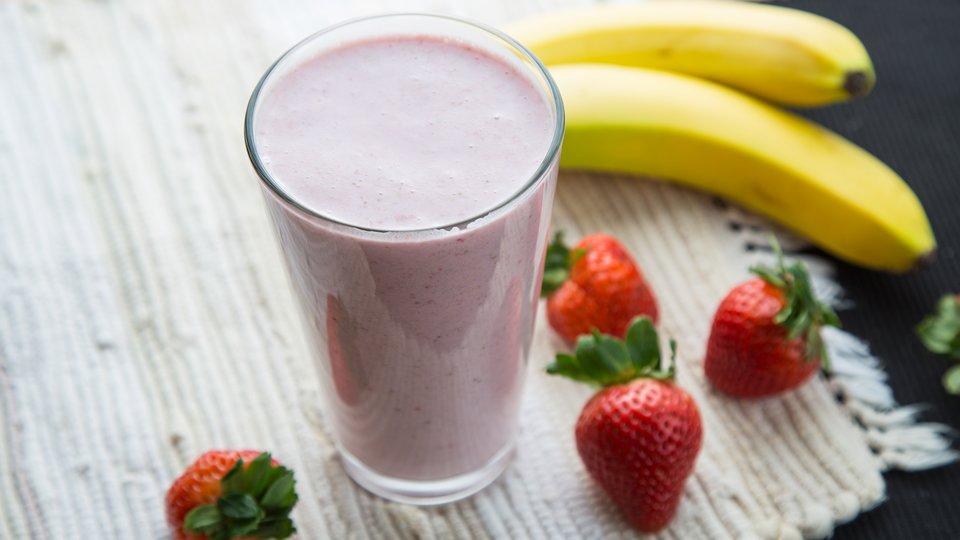 Banana & Strawberry Mass Gain Shake