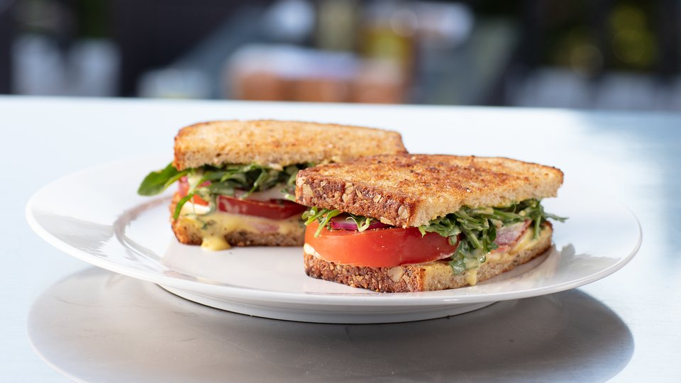 Chef Robert Irvine: Tomato and Fresh Aioli Sandwich