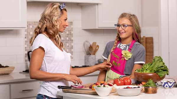6 Ways To Help Your Kid Enjoy Healthy Eating