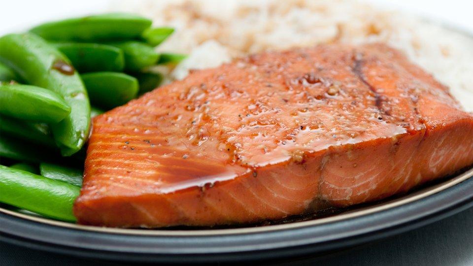 Healthy Grilled Salmon With Smoky Sriracha Glaze