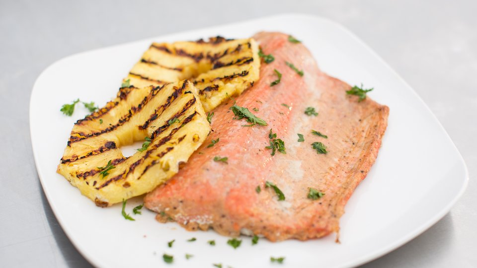 Healthy Grilled Salmon With Pineapple Glaze