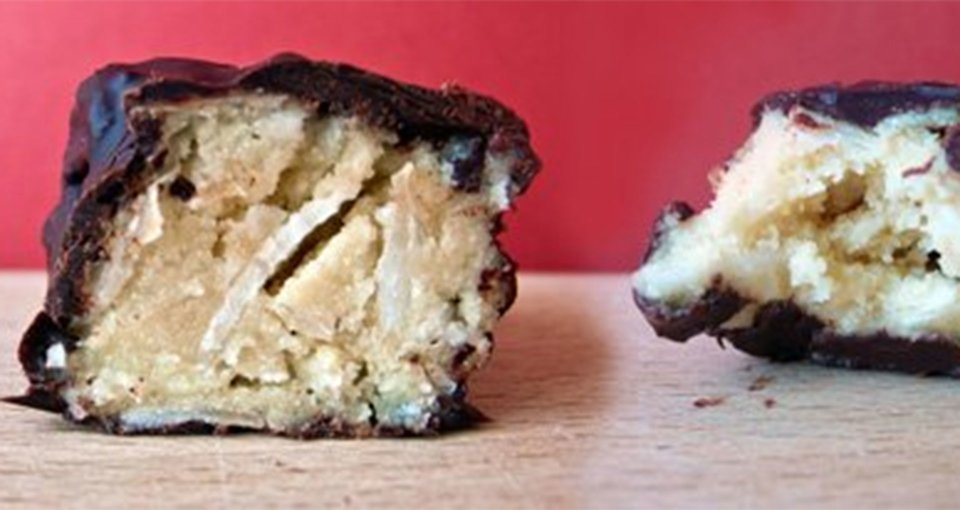 Toasted Coconut And Vanilla Whey Protein Bars