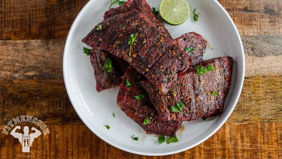 Garlic Peppered Flank Steak With Lime