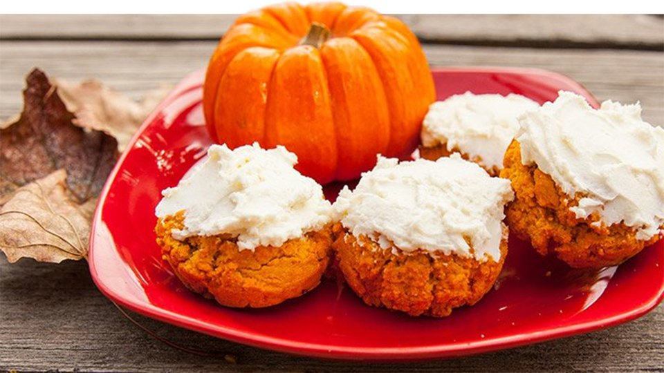 Pumpkin-Nut Cream Cheese Icing Cake