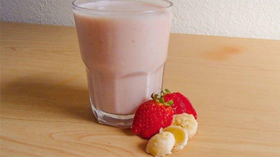 Strawberry Banana Breakfast Milkshake