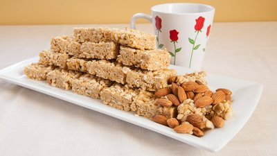 Your New Post-Workout Reward: Jamie Eason's Honey Protein Almond Crisps