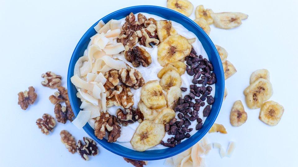 Banana Cream Pie Smoothie Bowl