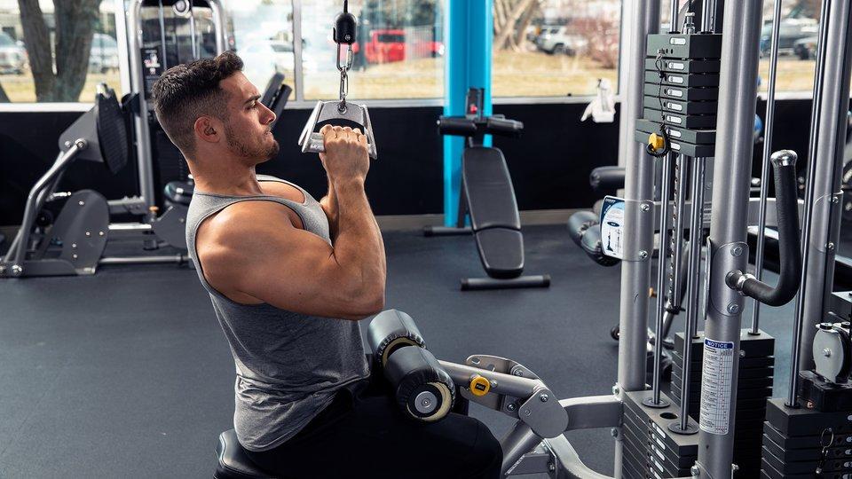 Brian DeCosta's High-Volume Back Workout