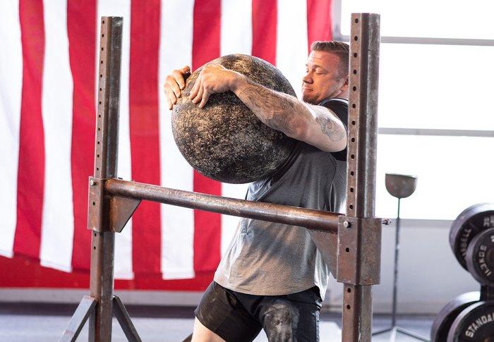 Atlas stone, strongman event