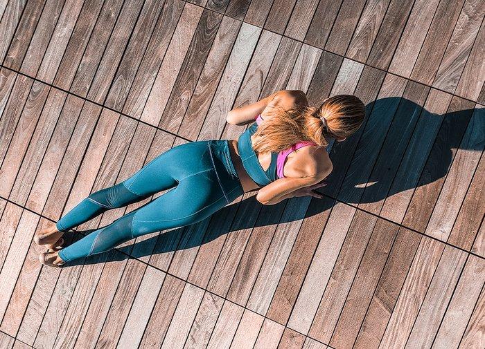 Kumbhakasana: Plank