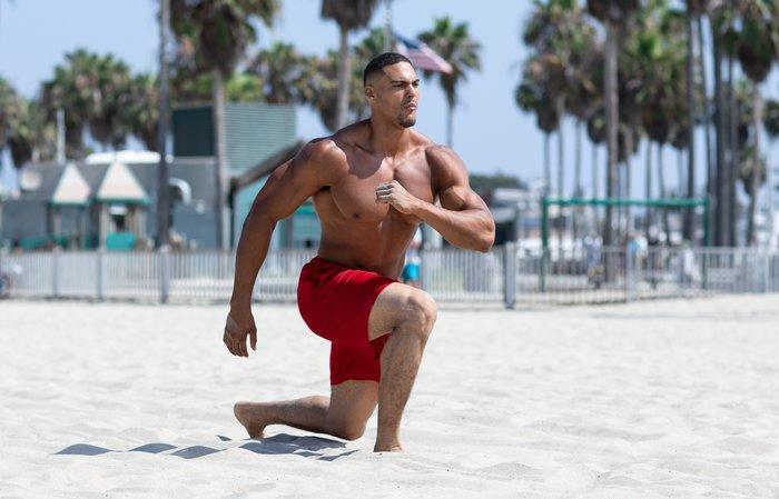 Bodyweight Beach Workout Warm-Up Tips
