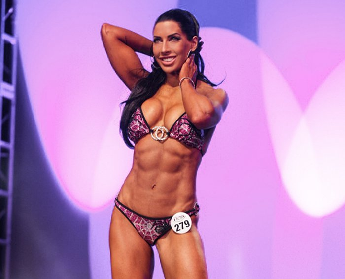 She made sweeping changes to her program, but her transition from washed-up fitness model to athlete, as she calls it, was just beginning.   - dr sara solomons fitness evolution turns 40 1 700xh