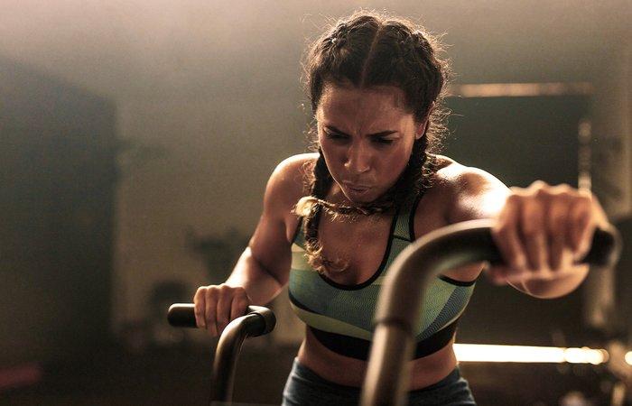 لماذا كل امرأة تحتاج إلى تمارين المقاومة و تمارين شد الجسم